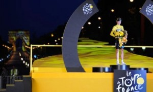 Chris Froome got his final yellow jersey with the Arc de Triomphe lit up