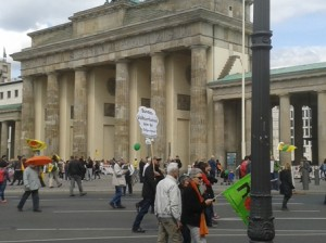 Energiewende demo in May passing Brandenburg Gate
